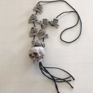 Jewelry - Spooky skulls Halloween costume necklace 💀